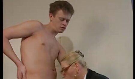 DS (jolie jeune blonde) s'attaque au roi de porno flis la BBC
