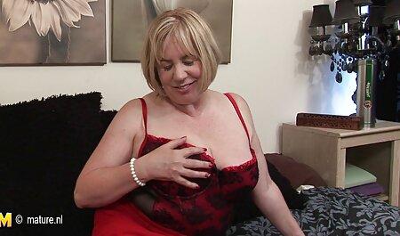 VirtualTaboo.com La il baise sa mère pendant son sommeil maman sexy Vicky enlève une incroyable résille