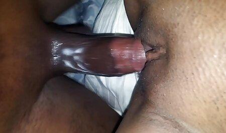 Miel avec une chatte poilue, des fosses porno mère et sa fille et un cul